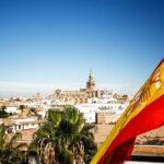 Испания планирует принимать туристов с конца июня